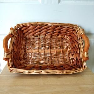 Rectangular wicker tray with wood handles